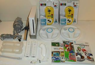 Nintendo Wii Console 3 games Mario Kart 2 Racing Wheels 3 Controllers