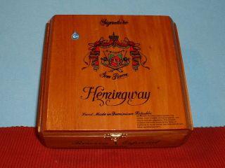 FUENTE SIGNATURE HEMINGWAY WOODEN CIGAR BOX   DOMINICAN REPUBLIC