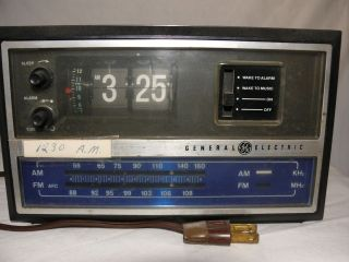 VTG General Electric Flip Numbers Alarm Clock Radio Awake to Music