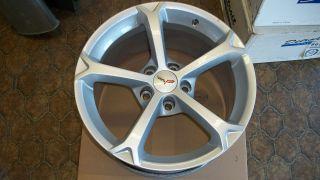 2010   2012 C6 Corvette Grand Sport Front Wheel OEM GM NICE 18 X 9.5