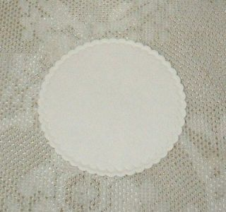 100 Round 3.25 Inch White Paper Coasters Scalloped Edge   Disposable