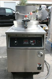 BKI 75 lbs. ELECTRIC PRESSURE FRYER # FKM F + FRY BASKET + FILTER