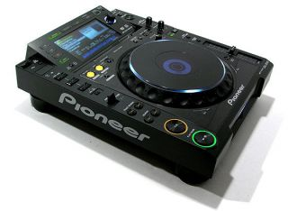 Pioneer CDJ 2000 Multiformat Professional DJ CD/DVD USB SD Player