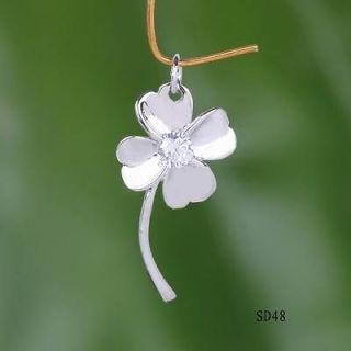 four leaf clover necklace in Necklaces & Pendants