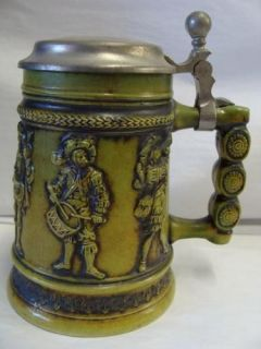 GERZ W GERMANY GREEN MUSICIAN LIDDED BEER STEIN / MUG   E6
