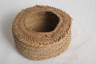 VINTAGE SMALL NATIVE AMERICAN PINE NEEDLE WOVEN BASKET #M024