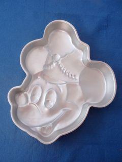 wilton cake pans mickey mouse