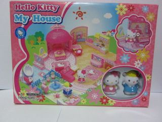 hello kitty house in Collectibles