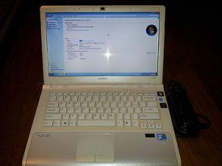 Sony VAIO VPCCW17FX 14 500GB Intel Core 2 Duo 2.2 GHz, 4 GB Notebook