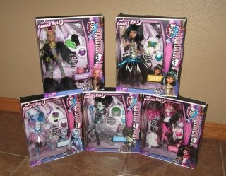 MONSTER HIGH GHOULS RULE SET OF 5 CLEO FRANKIE DRACULAURA ABBY