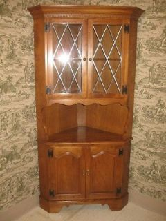 Ethan Allen Heirloom Nutmeg Maple Collection Corner China Cabinet 10