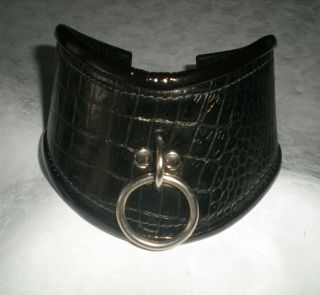 Black Posture Collar, Texture Leather, Lined with Patent