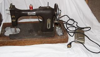 white sewing machine 3032