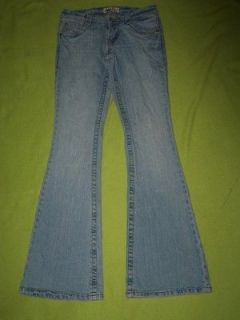 LEI jrs 1 Ashley TROUBLE Low feather FLAP pkts stretch FLARE jeans
