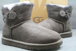 NEW Womens UGG Boot Mini Bailey Button CHOCOLATE 3352 ORIGINAL 100%