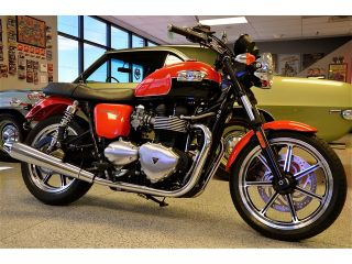 Triumph : Bonneville 12 TRIUMPH BONNEVILLE SE ~ Phantom Orange