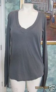 James Perse Long Sleeved V Neck WMJ3931 Size 1 extra small $55 100%