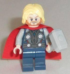 Lego Marvel Avengers   Thor with Hammer & Cape   Split from set 6869