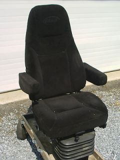 AIR RIDE BLACK CLOTH PETERBILT FRONT SEAT FOR SEMI TRUCK