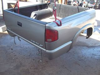 03 04 Chevy S10 GMC Sonoma Crew Cab Pickup Truck 4 1/2 Short Bed Box