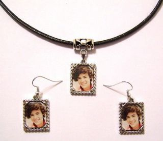HARRY STYLES   ONE DIRECTION   Framed Picture Necklace & Earrings