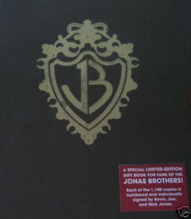New SIGNED JONAS BROTHERS BURNING UP BOOK LIMITED EDITION Joe Nick
