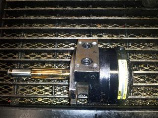 PARKER HYDRAULIC MOTOR TF0280AS030AAA COST INCLUDES PRIORITY MAIL
