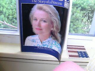 Grace Portrait of a Princess by Phyllis Hart Davis Paperback