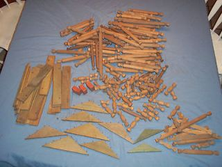 EARLY 1900S DANIEL BOONE WOOD LINCOLN LOGS TOY CABIN FARM BUILDINGS