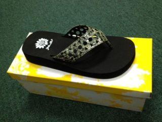 Yellow Box Maida Womens Green Thong Sandals Flip Flops Snake Print
