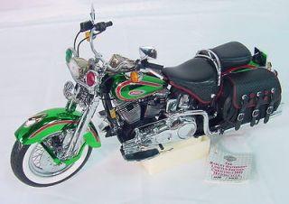 10 Scale HARLEY DAVIDSON 2001 CHRISTMAS MOTORCYCLE w/ COA & BOX
