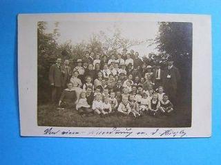 GERMANY GROUP MEN , WOMEN & LITTLE CHILDREN POSTCARD 1920`S OLD POST