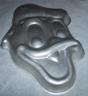 wilton cake pan disney donald duck  4