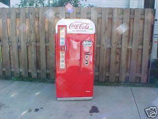 Vendo 81 Coca Cola Coke Machine AMATEUR RESTORATION buyer beware 44