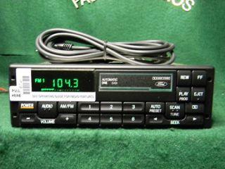 Lincoln Pac Premium Tape Radio  iPod SAT Aux F4SF 19B165 AC