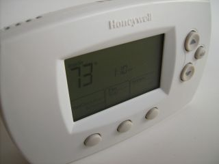 Honeywell Digital Programmable Thermostat Heating AC TH6110D1005 Works