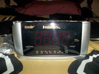 Emerson SmartSet Sure Alarm Dual Alarm Clock Radio With Three Color