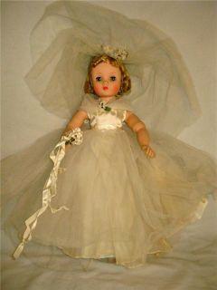 Early Vintage 60s Madame Alexander Elise Bride Doll