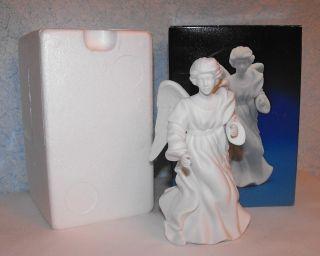Avon Naiviy Collecibles Porcelain Figurine he Sanding Angel 1987