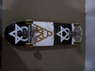 Element Skateboard Bam Margera Heartagram Complete Sz 8