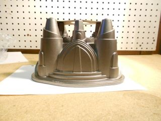 New Nordic Ware Palace Royale Bundt Castle Design Great for Cakes