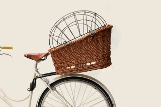Basil Pasja 40cm Rear Wicker Bicycle Basket w Elba Mount