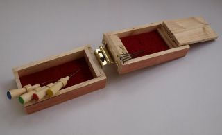 Needle Felt Wooden Pine Gift Box Set – small holder tools & needles