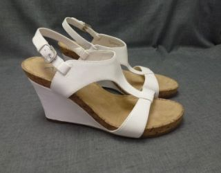 New Plush Above A2 Aerosoles Womens 9M Wedge Sandal White Leather Shoe