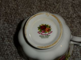 Royal Albert Old Country Roses 18 Piece Tea Service