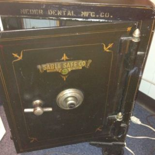 Antique Sable Safe Co Yale Works Great One Owner 100 Yrs