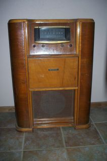 Vintage Antique Crosley Shortwave FM Radio Record Player