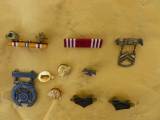 Lot Group US Army Military WW2 Medals Ribbons Pins Submachine Gun