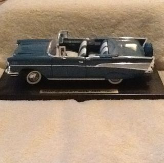 Chevrolet Bel Air 1957 Chevy Model 1 18 Metal Car Mint