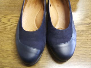 Beautifeel Holly 7756M Navy Blue Combo Low Heel Dress Shoes Ladies 6